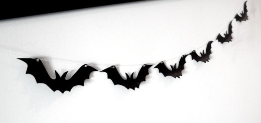 bat_garland01