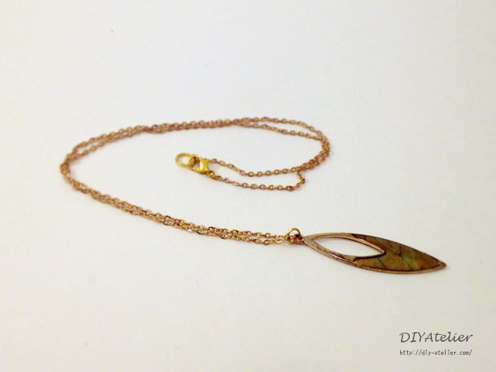 pias_necklace01