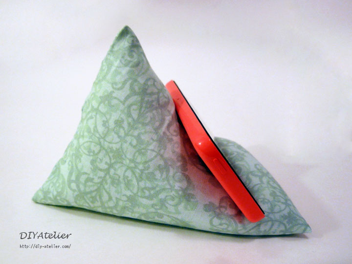 pyramide_iphone_stand2_8